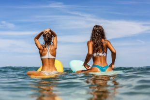 I long for the beautiful body of a surfing girl! Let's get to the secret of that body!